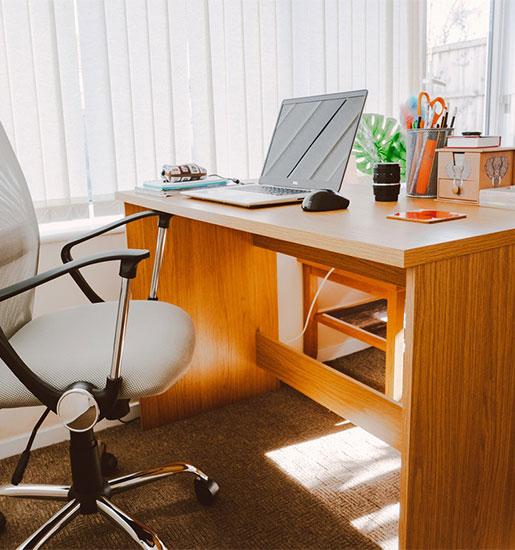 interior-designer-office-desk